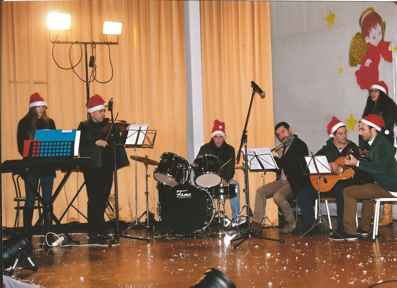 aulas-de-instrumentos-violino-guitarra-piano-bateria-g-concerto-de-natal-2014-3-59